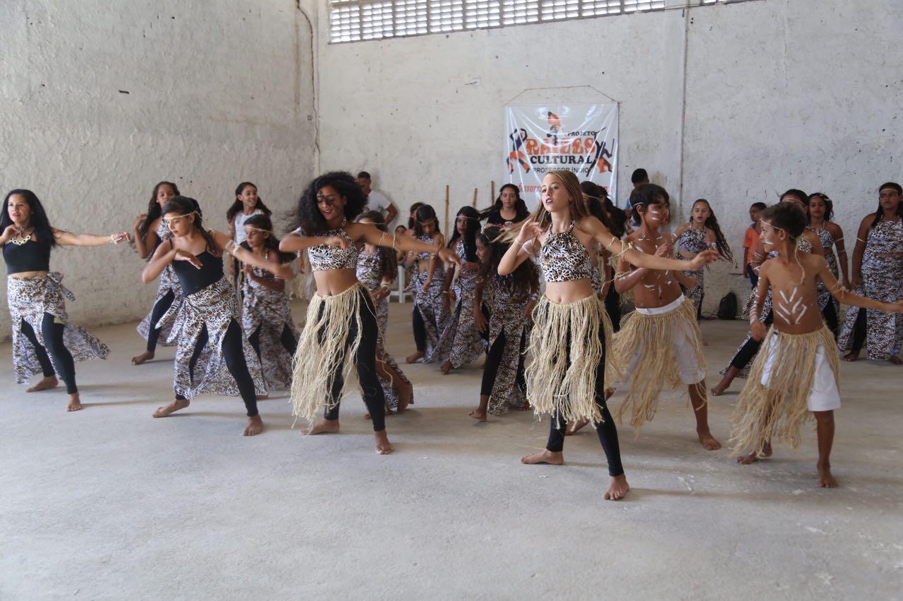 Projeto Raízes Cultural – dança, esporte e meio ambiente – passa a ter um local para ensaiar com a inauguração do Centro. (Foto de Lucas Ferreira)